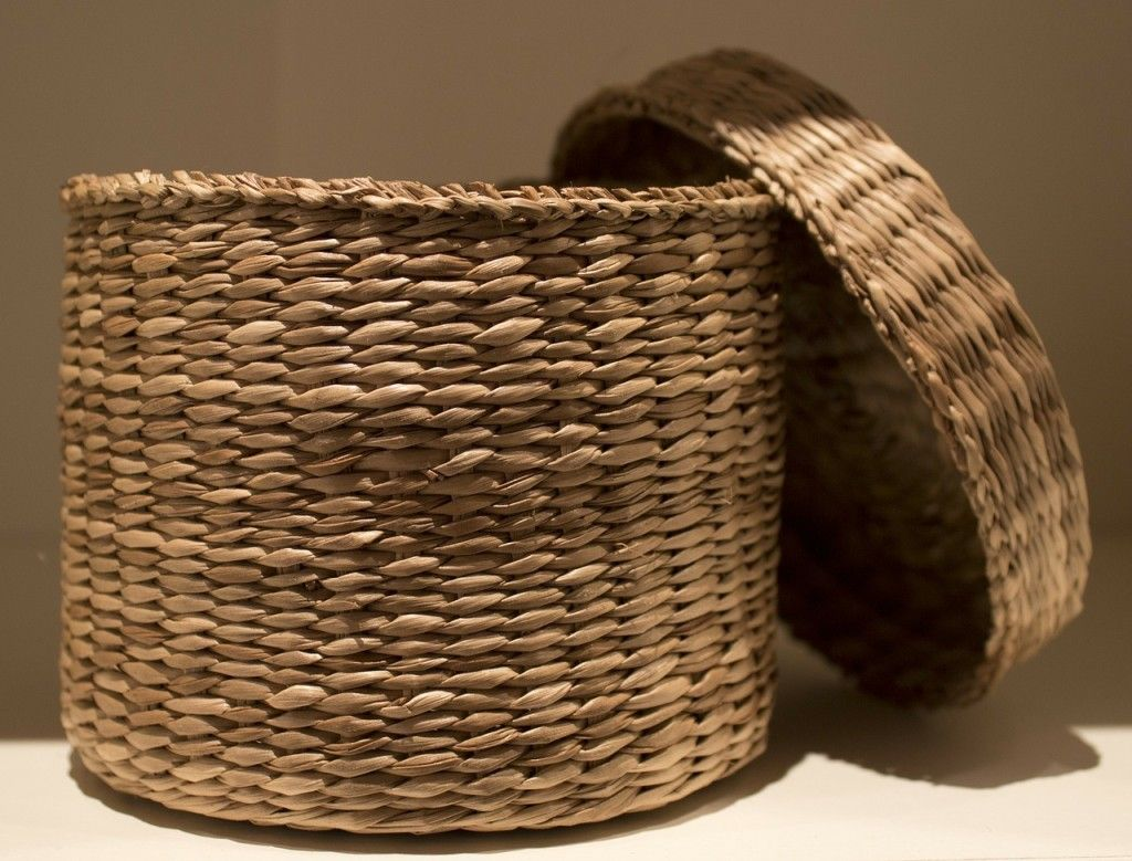 basket-with-lid-185464_1280